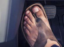 Est-il interdit de conduire en tongs ou pieds nus