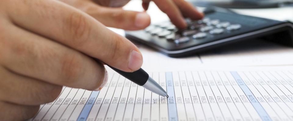 Doit-on se méfier des comparateurs d'assurance auto en ligne ?